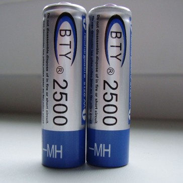 2 пальчиковых аккумулятора AA 2500 mAh Ni-Mh 1.2 V