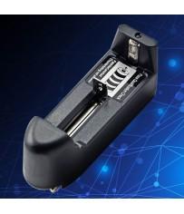 Универсальное зарядное устройство на один аккумулятор.